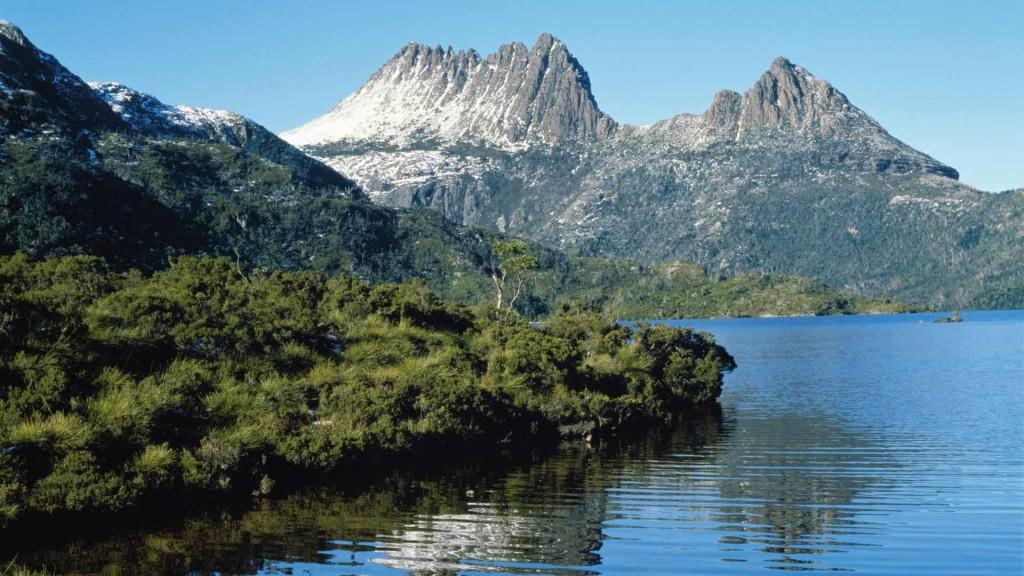 Dove Lake at Cradle Mountain, Tasmania, Australia