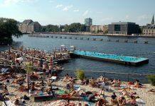 Berlin Badeschiff
