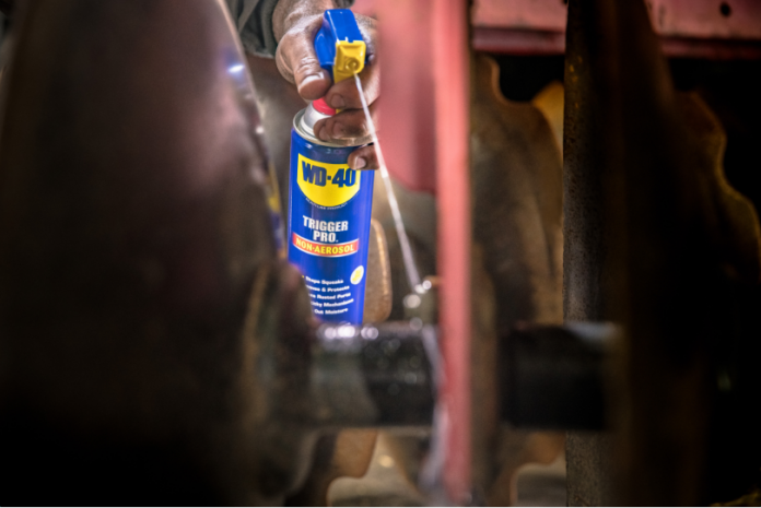 2,000+ Survival Uses For WD-40 | Survival Life Tips And Hacks