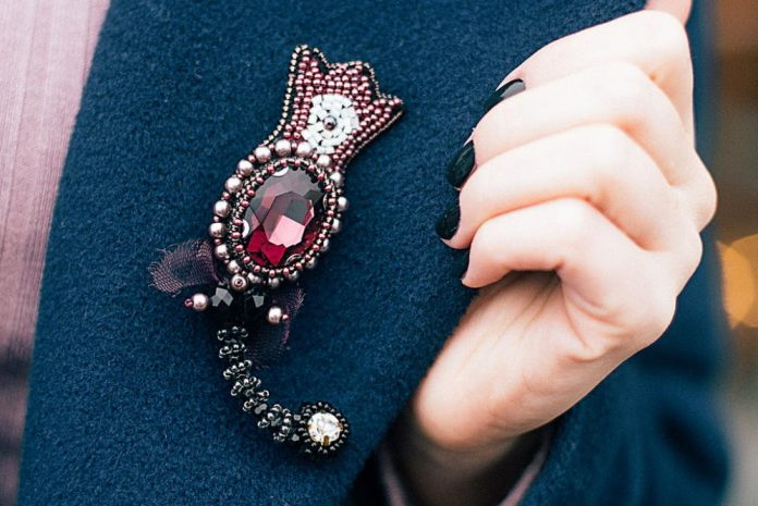 Women Brooches